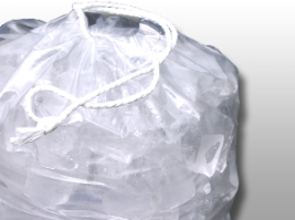 Picture of item 967-318 a ICE BAG PRINT W/DRAWSTRING. 11.5 X 18 METALLOCENE BAG 1.2 MIL. 8# capacity.